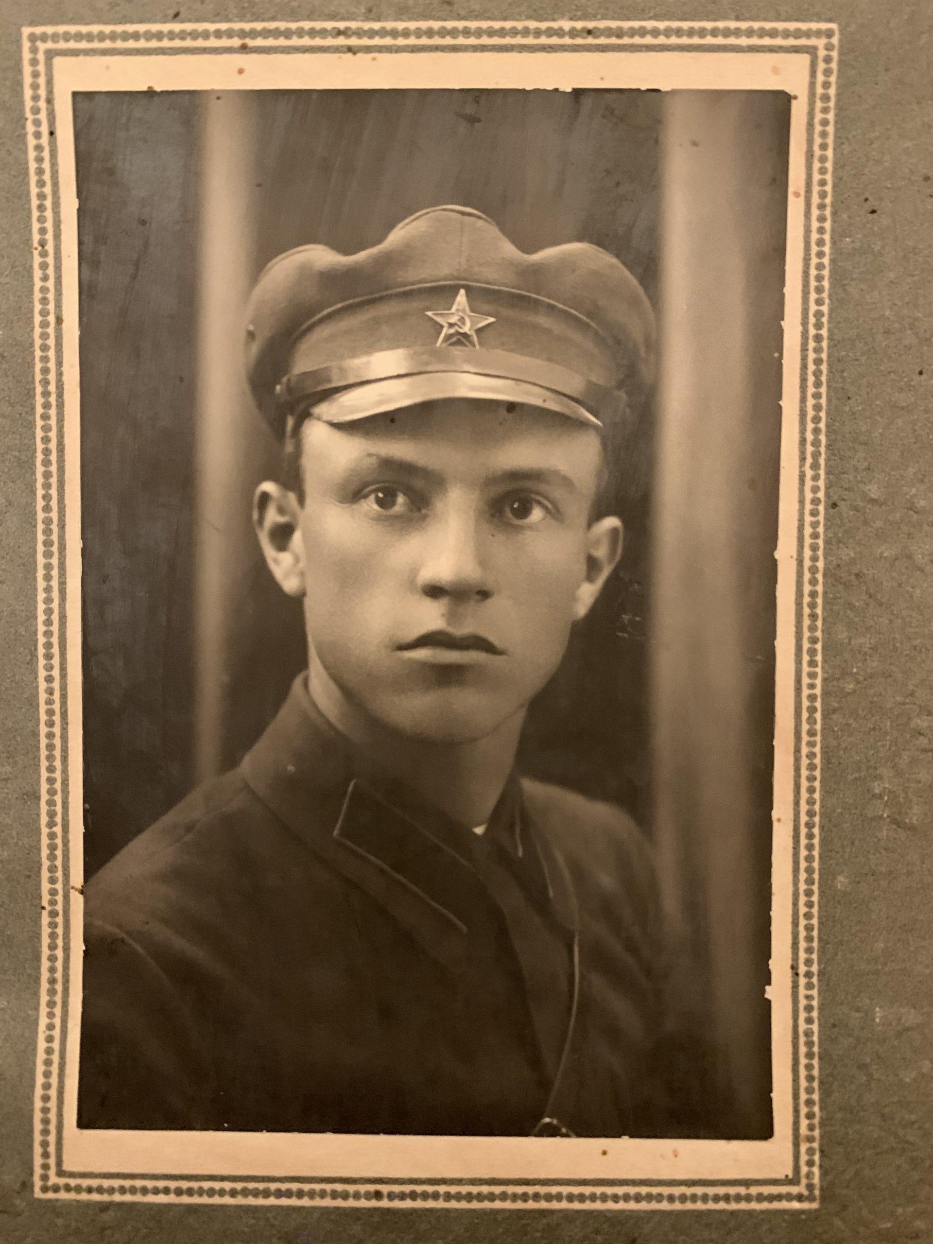 Нихезин Дмитрий Леонтьевич